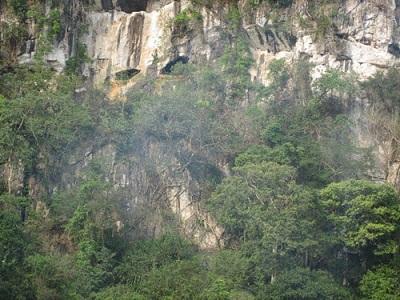 Tắm biển Sầm Sơn và tham quan các di tích trên núi Trường Lệ