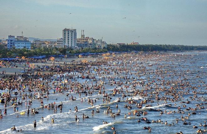 Bãi biển Sầm Sơn ngày hè