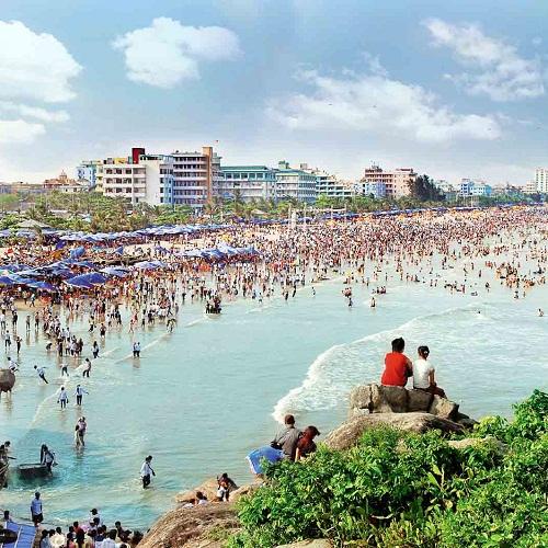 Biển Sầm Sơn thu hút rất nhiều du khách